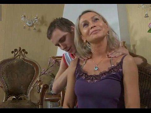 Freund Bbw mutter seduces sons Son Massages