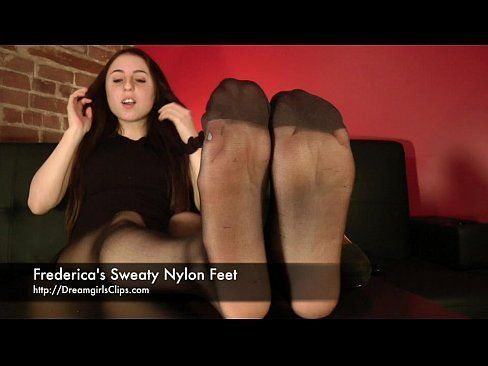 Half-Pipe reccomend sweaty nylon feet joi