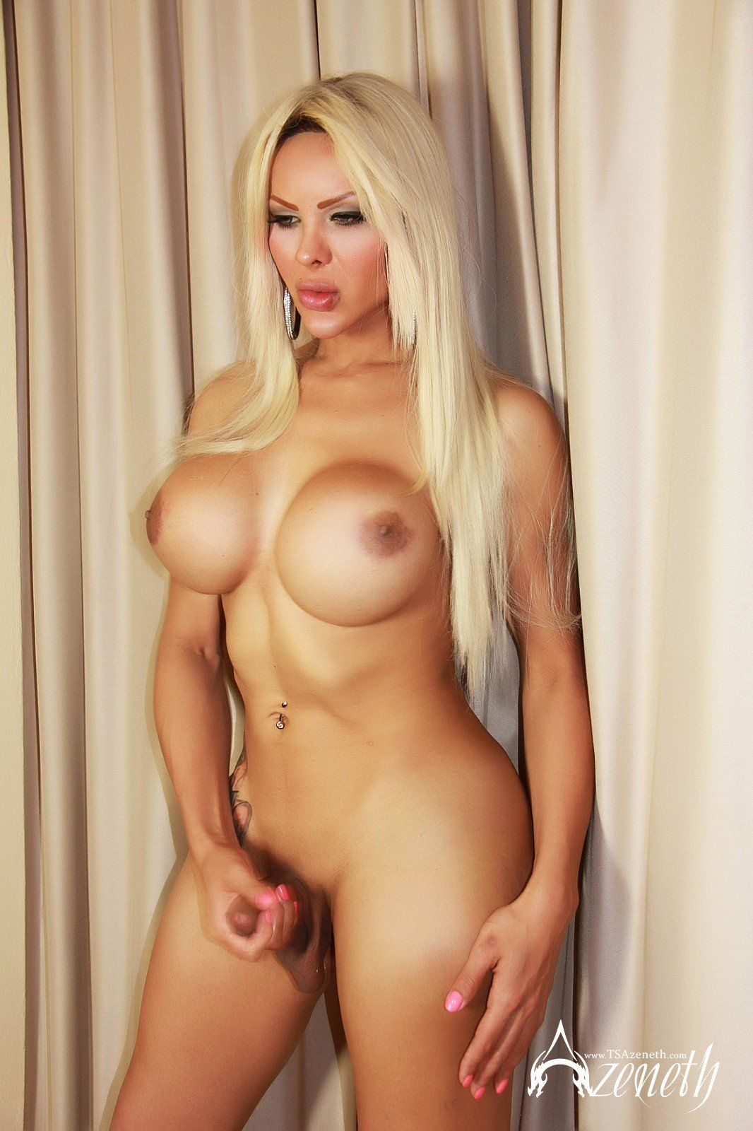 Apple P. recomended super hot blonde shemale