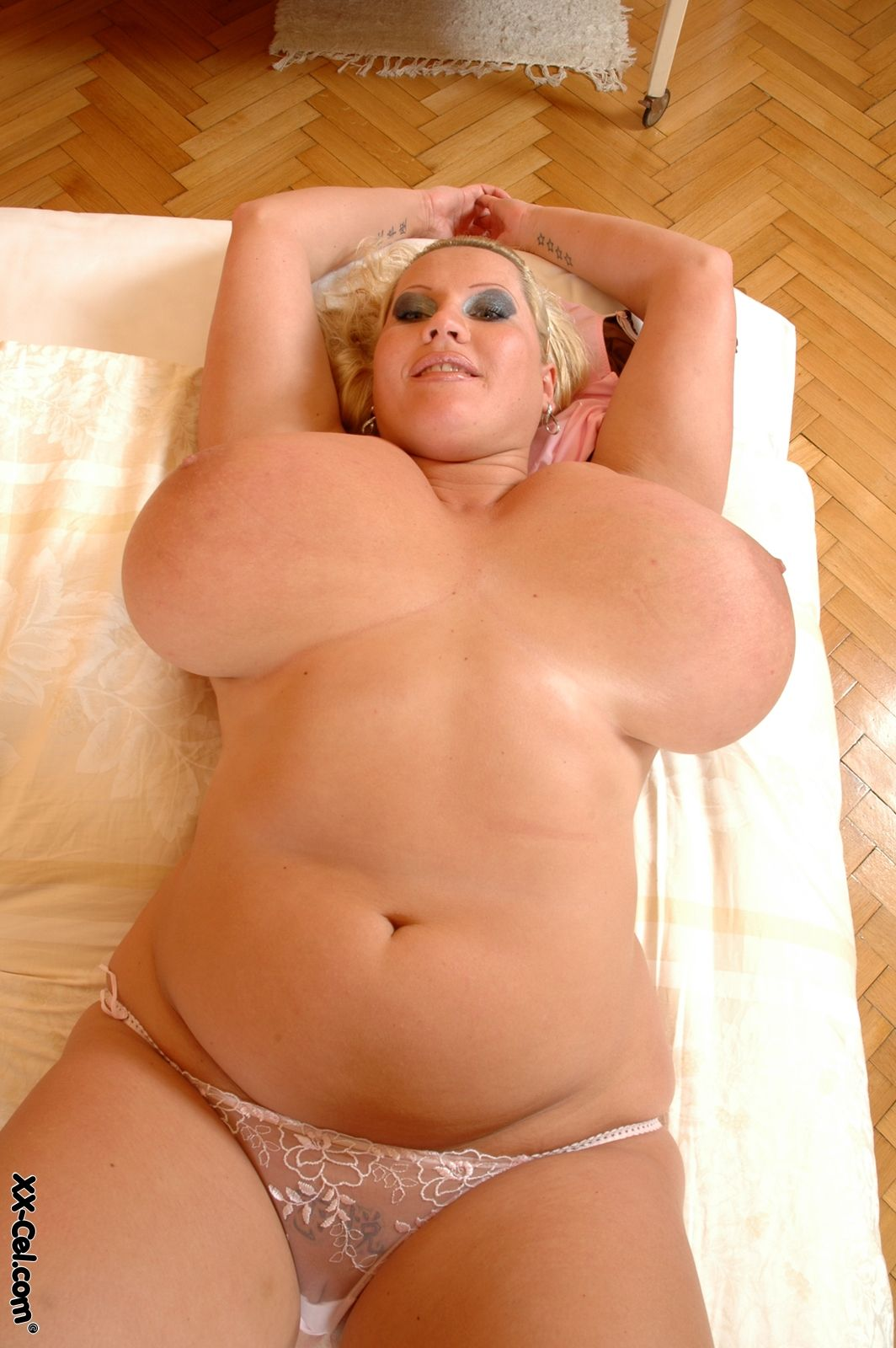 Bbw huge knockers