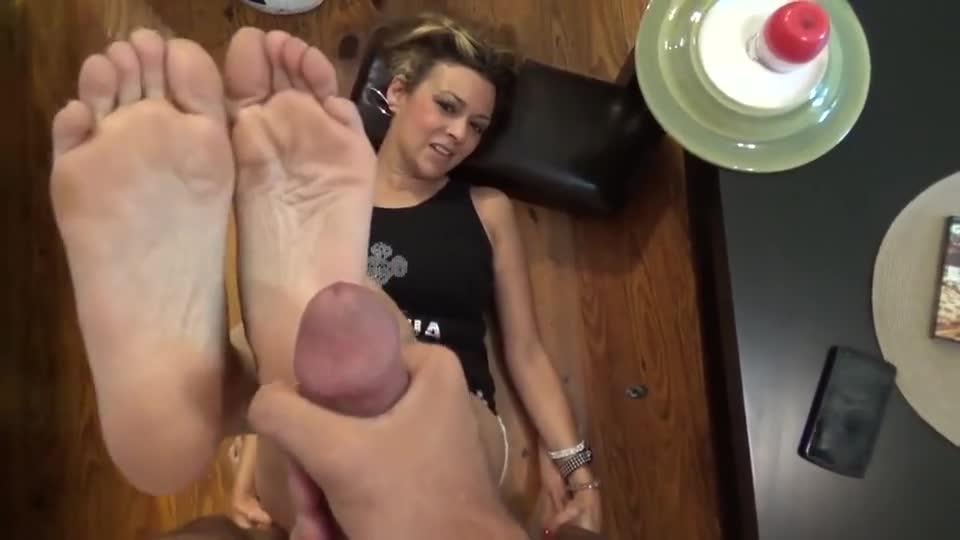 WMD reccomend sweaty nylon feet joi